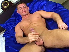 Sexy Male wake up and get horny so he wank in a blue bed