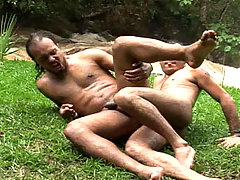 Handsome studs enjoys some hard anal sex in the woods !